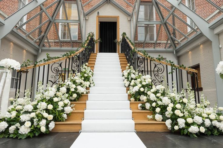 The grand staircase leading down to The Atrium #BotleysMansion…