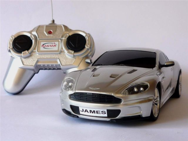 PERSONALISED PLATES 1/24 Radio Control Silver ASTON MARTIN DBS COUPE