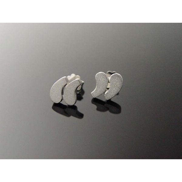 Cute quotation mark earrings.