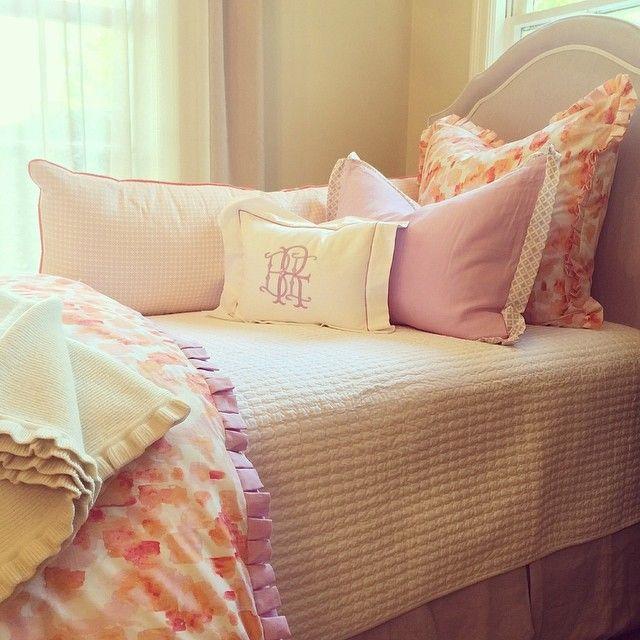 Dorm bedding