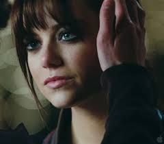 If I could pull off bangs, I'd want bangs like Emma stone in zombieland.