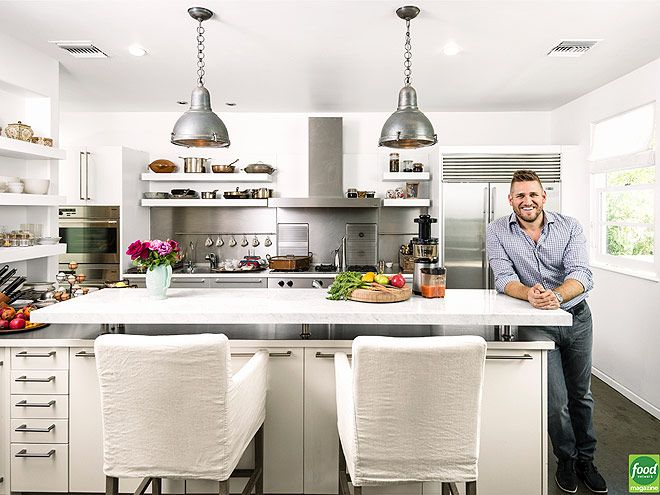 25 best images about celebrity kitchens on pinterest for Kitchen 24 hollywood