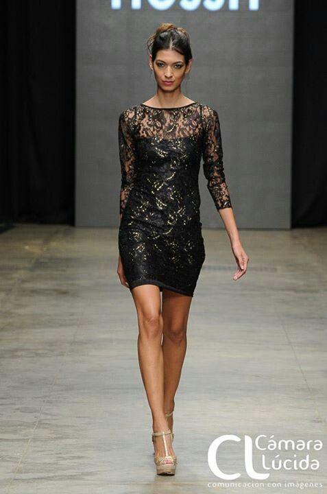 Encaje negro con toques dorados!!! #fashion #style #moda #trendy #fashionweek #runway 2013