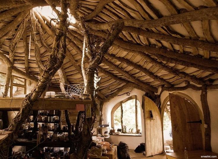 Magical little wood house.Real Life, Favorite Places, Hobbit Hole, Dreams, The Hobbit, Hobbit Home, House Interiors, Hobbit Houses, Trees House