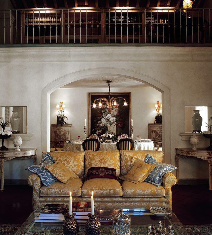 """""""La casa è il vostro corpo più grande. Vive nel sole e si addormenta nella quiete della notte; e non è senza sogni."""" cit. Kahlil Gibran Web http://studiolanoce.it/ #studiolanocework #architecture #design #interiordesign #madeinitaly #luxury #Tuscany #Italy"""