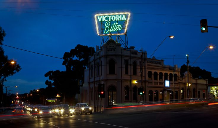Victoria Bitter (Elsternwick Hotel) Manufactured all neon by Rhino Signmakers. http://www.rhinosignmakers.com.au