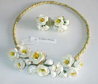 Fii unica purtand o bijuterie unicat!: VANDUT Colier si cercei cu flori albe de mar real...