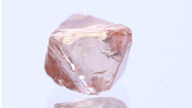 Natural Pink diamond Rough 5.37 ct rough by Langerman Diamonds