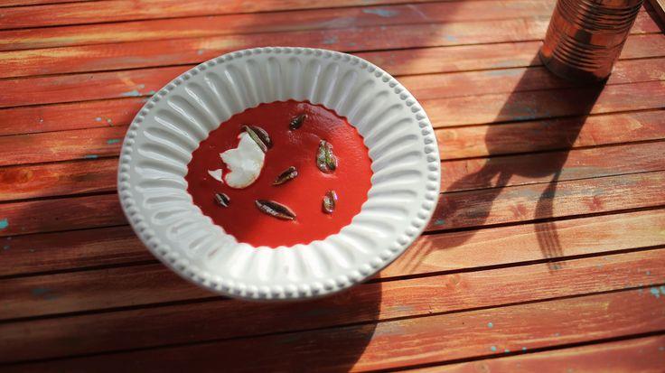 A cékla talán nem tartozik a legnépszerűbb zöldségek közé, de ha jól bánunk vele, nagyon klassz dolgokat lehet kihozni belőle. Mi a Street Kitchenben majdnem minden napot egy házilag frissen préselt zöldség-gyümölcslével indítunk, itt is vissza-visszatérő elem a cékla. Másik…