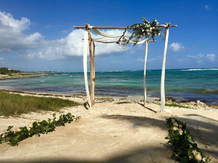 CBC259 wedding Riviera Maya white flowers for huppa/ gazebo para ceremonia con flores blancas