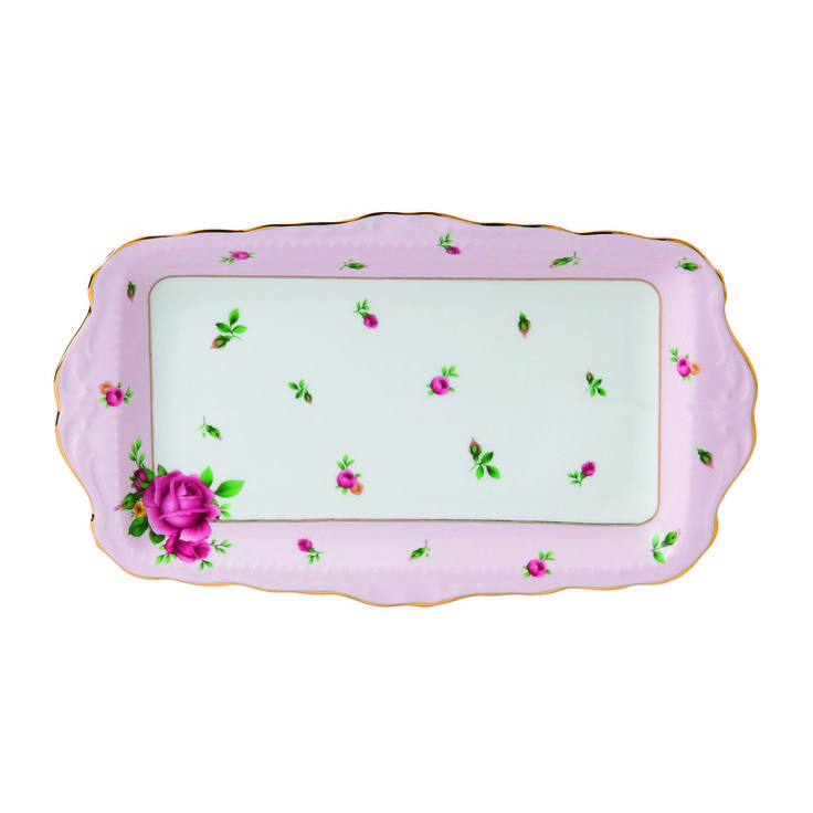 New Country Roses - Vintage Pink Formal Sandwich Tray. I am so in love with the New Country Roses!