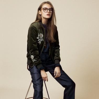 大人女子はスカジャンでエッジをプラスファッションをあきらめない女性はかっこいい