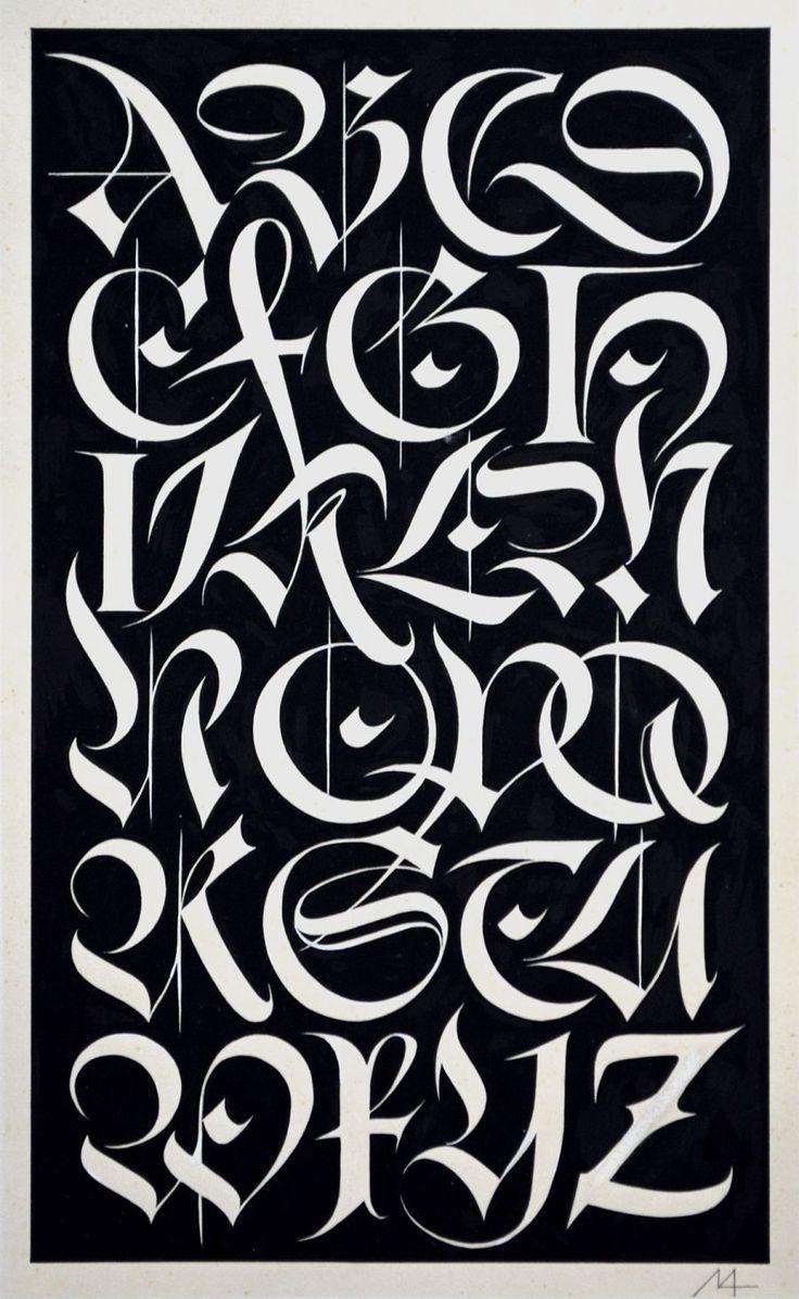 Alphabet of interlocking fracture capitals by Helmut Matheis   – Kalligraphie