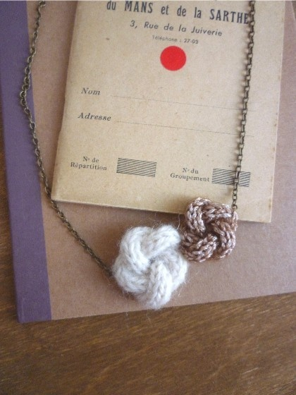 knit flower necklace