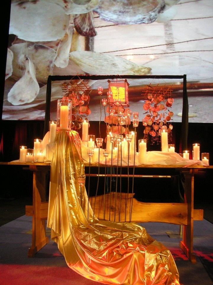 Pentecost liturgical piece for communion table - Decoration table de communion ...