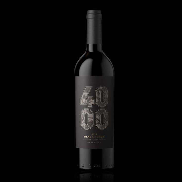 4000 Black Blend wines / Familia Budeguer
