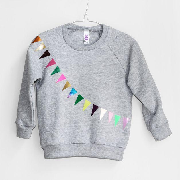 Pullover & Sweatshirts - Sweatshirt Girlande grau - ein Designerstück von pomberlin bei DaWanda