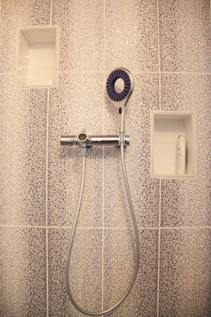 Les 25 meilleures id es de la cat gorie niche de douche sur pinterest douches de petite salle for Douches a l italienne avec nevadas en couleur