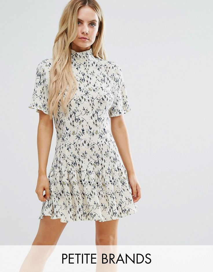 Buy it now. Missguided Petite Plisse High Neck Floral Shift Dress - Multi. Petite dress by Missguided Petite, Pleated fabric, Floral design, High neck, Short sleeves, Regular fit - true to size, Machine wash, 100% Polyester, Our model wears a UK 8/EU 36/US 4 and is 163cm/5'4 tall. ABOUT MISSGUIDED PETITE With an eye on the catwalks and hottest gals around, Missguided's in-house team design for the dreamers, believers and night lovers. Taking the risks no one else dares to, its perfectly…
