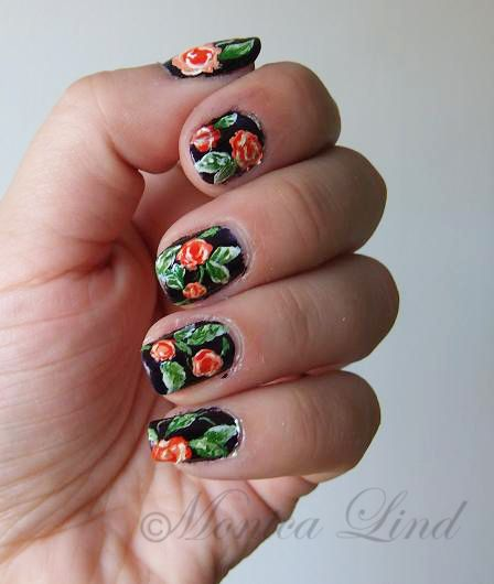 Naglar nails nageldesign naildesign nagelkonst nailart blommor flowers rosor roses summer nailart