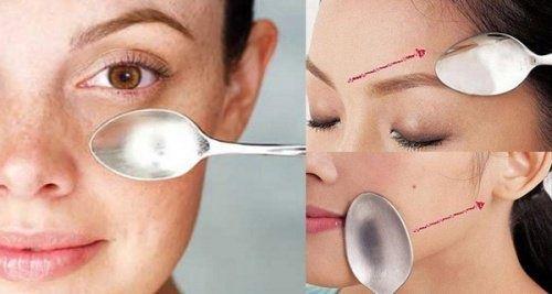 Massages-du-visage-avec-cuillère-500x267