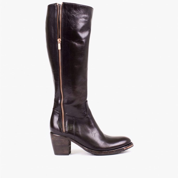 Knee high boot in dark brown