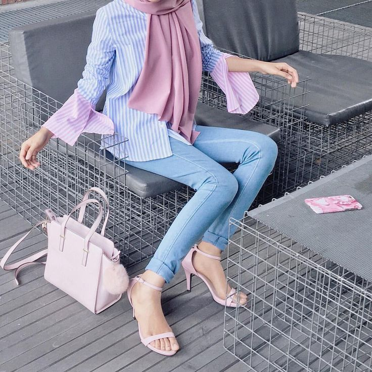 Hijab Fashion. ㅡ @lilfaraaaah totally adore her fashion and those pastel colors are so LOVE!