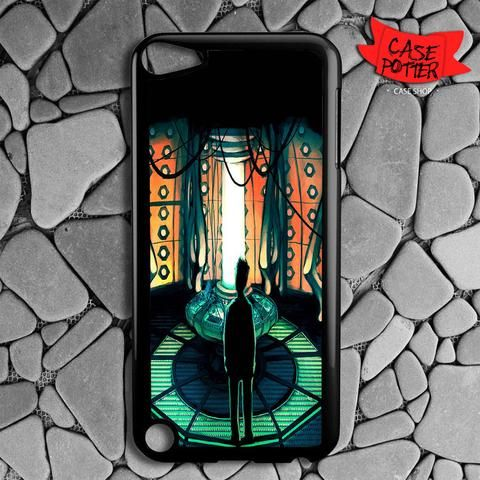 Tardis Lab Doctor Who iPod 5 Black Case