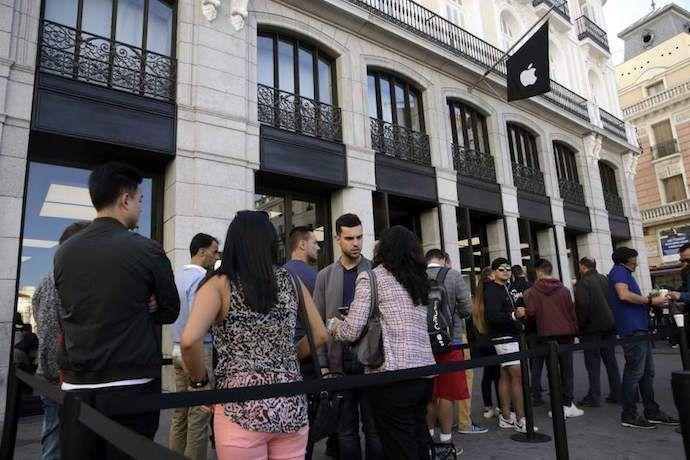 """Por qué no deberías comprar el iPhone, según """"El País"""""""