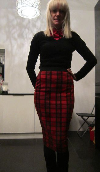 20-11-13 Red Tartan Pencil skirt RRP £15 - Rokii save 25% £11.25  Rokii Portsmouth rokii.co.uk  NEW ROKII ONLINE SHOP, Rokii Portsmouth, www.rokii.co.uk Order through FB or on the phone 02392294081 and get FREE LOCAL DELIVERY PO1-PO6, Lay Away until Christmas Red Tartan Pencil Skirt Rrp £15   Rokii £11.25