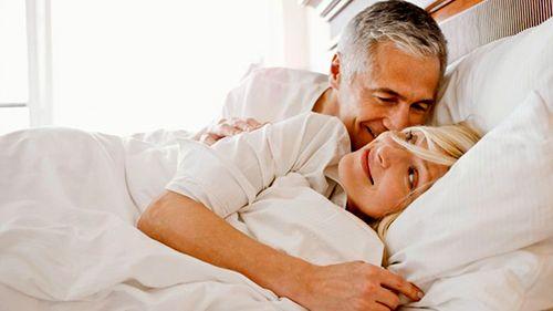 """Sesso e calo del desiderio femminile: in arrivo la """"pillola rosa"""", perchè la donna possa vivere una vita sessuale appagante e piena anche nell'età matura"""