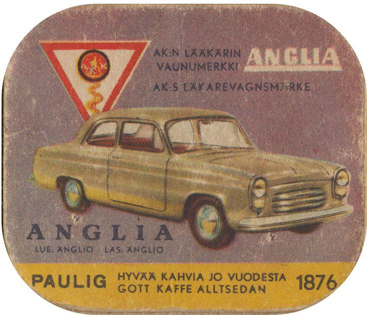 En nostalgitripp fram till jul med hjälp av Pauligs bilkort från mitten av 1900-talet. Anglia #cars #vintage