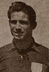 Joaquim Machado, nasceu no dia 20 de Fevereiro de 1923 em Leça da Palmeira. Foi no clube da sua terra, Leça F.C., que começou a jogar futebol. No início da temporada de 1945/46, ingressou no Futebol Clube do Porto. Com a camisola dos Dragões, jogou durante nove temporadas, de 1945/46 a 1954/55 e tornou-se um dos principais jogadores portistas da época, o que lhe valeu a chamada à Selecção Nacional. Conquistou por duas vezes o Campeonato do Porto e uma Taça Associação de Futebol do Porto…