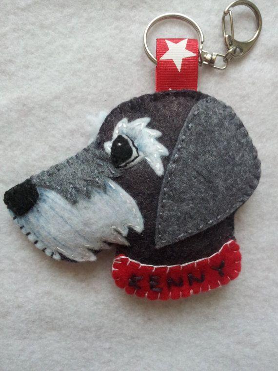 DOG or CAT customized keyring, ornament or magnet. Llavero con la cara de tu mascota