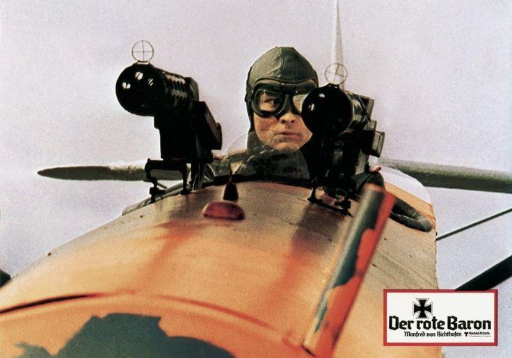 Am 21. April 1918 holte eine einzelne Kugel den Jagdflieger Manfred von Richthofen mit seinem roten Dreidecker vom Himmel. Richthofen-Biograf  Joachim Castan  über den letzten Kampf einer Legende.