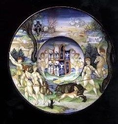 Nicola di Grabriele Sbraghe da Urbano (ca. 1480-1537/38) Service of Isabella d'Este (1474-1539), Plate with the legend of Meleager and Atalanta Italy, Urbino, ca. 1524-1525, Majolica a istoriato, painted in polychrome, D. 23 cm London, Ranger's House, Wernher collection