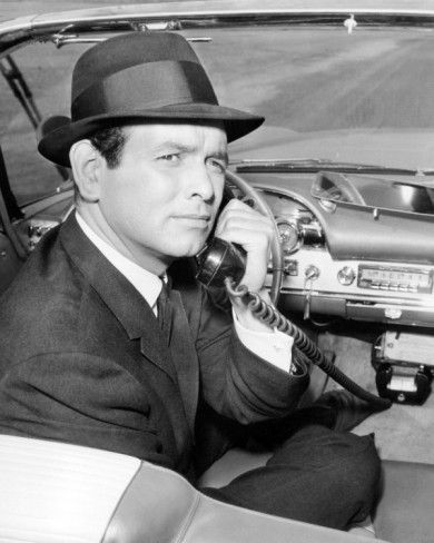 Richard Diamond, Private Detective aired from (1957-1960). Starring: Richard Janssen and Mary Tyler Moore.