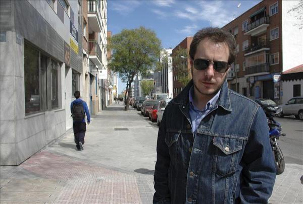 Música, amor y crisis, claves de la primera novela de Fernando Navarro - Yahoo Noticias España