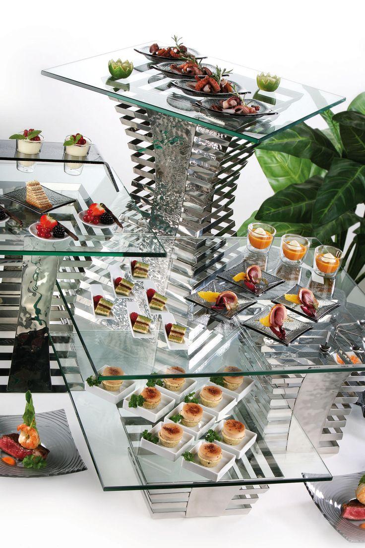 Serie de buffets con soportes, con los cuales podeis hacer centenar de montajes distintos, adaptándose al espacio y a vuestras necesidaes.