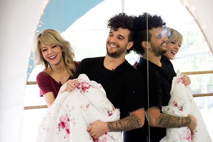 "'Dancing with the Stars' recap: Lindsey Stirling and Mark Ballas top leaderboard deliver ""dance of the season"" Dancing with the Stars couple Lindsey Stirling and her professional partner Mark Ballas topped the judges' leaderboard during Monday night's performance show on ABC. #DWTS #DancingWiththeStars"