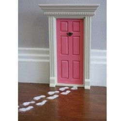 "DIY ""Fairy Doors"" for Imaginative Houses"