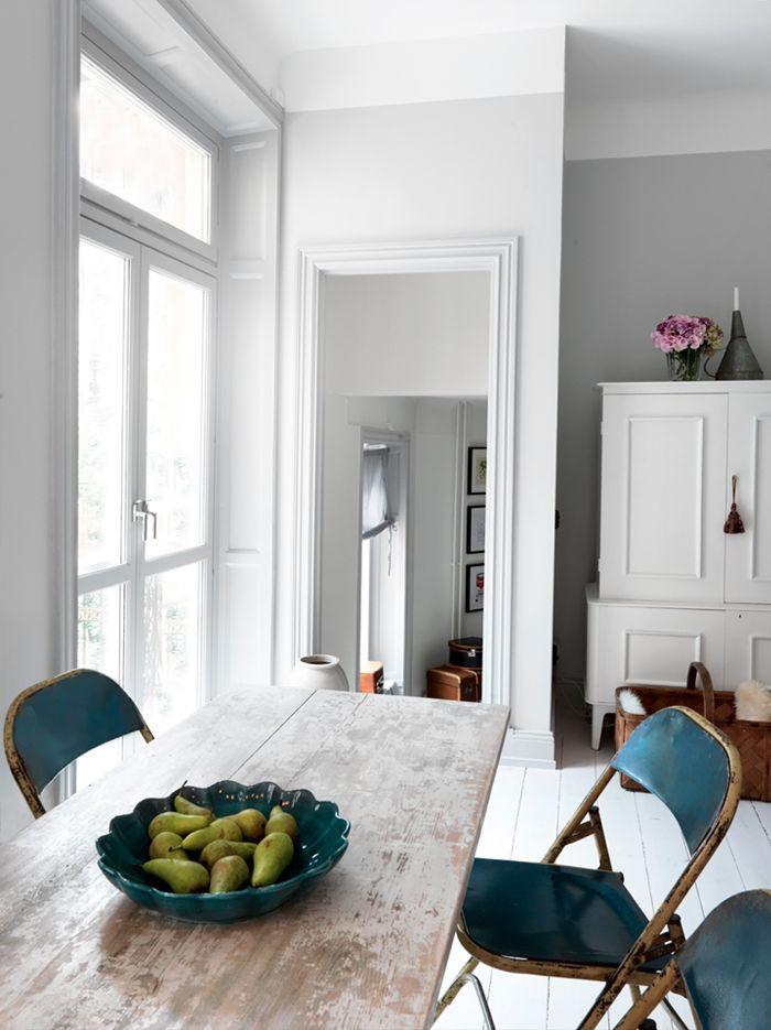 Charming White Kitchen with Vintage Details // Чаровна бяла кухня с винтидж детайли | 79 Ideas