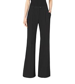 Wide-Leg Trousers by Michael Kors. Perfetti con o senza blazer e i nuovi stivali con tacco diamante.  Perfect with or without its blazer, and her new diamond cut high heels