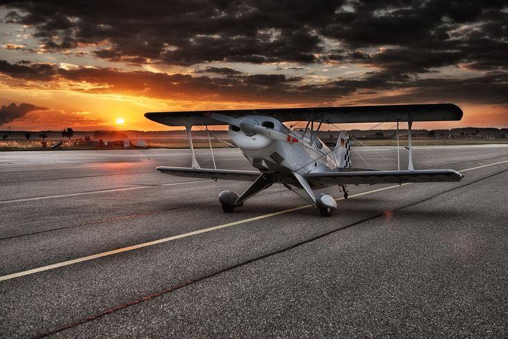 Flugzeug, Doppeldecker, Flugplatz, Heeresflugplatz