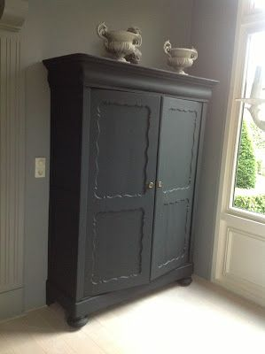 Kast in matt Soft Black