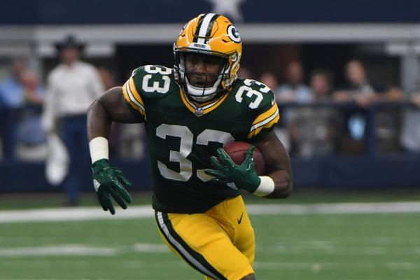 Green Bay Wis One Of The Green Bay Packers Most Pleasant Surprises Of 2017 Has Been The Emergence Of Rookie Green Bay Packers Fantasy Football Green Bay