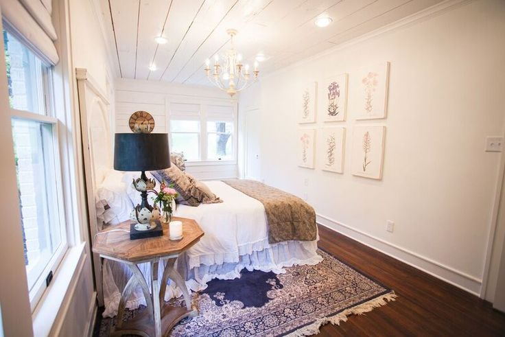 20 best images about shiplap on pinterest magnolia wreath magnolia homes and magnolia market. Black Bedroom Furniture Sets. Home Design Ideas