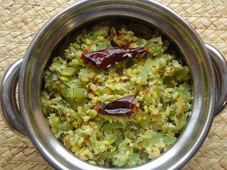 AISHU KITCHEN: Snake gourd (pudalangai) poriyal