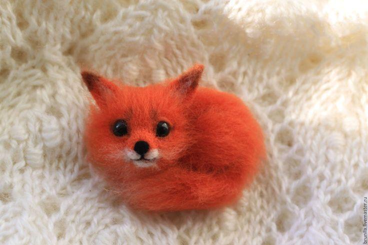 Купить брошь войлочная Лисичка - рыжий, лисичка войлочная, лисичка брошь, войлочная брошь лисичка