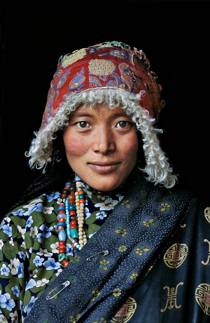 Tibetan Woman at Stupa | TIBET-10067NF